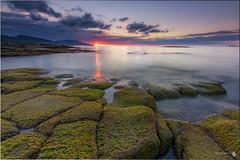 Fin del da (Caramad) Tags: zierbena landscape sunset marcantbrico camadats puestadesol rocks agua longexposure wate ellastrn mar wave light seascape sea rocas olas playa