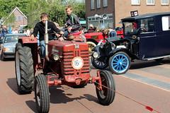 International Harvester McCormick D219 tractor (Davydutchy) Tags: ruinerwold oldtimerdag oldtimer klassiker vetern tractor trekker trecker schleppmaschine   ih international harvester mccormick d219 219 august 2016