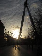 Eye at twilight (shaggy359) Tags: sunset people cloud sun tree london eye lines wheel silhouette sepia evening south spoke bank ferris line southbank pods spokespod