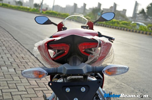 2015-Ducati-Panigale-899-05