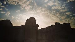 جبل القارة - الاحساء / at sunset (iamFahadME) Tags: cloud شمس غيوم جبل الاحساء الشرقية الهفوف القارة