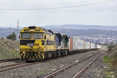 "2016-07-23 SSR G514-C507-C509 Raglan 8146 (Dean ""O305"" Jones) Tags: raglan newsouthwales australia au g514 c507 c509 8146 kelso grain force container intermodal train bank ssr southern shorthaul railroad main west line nsw bathurst city telephoto"