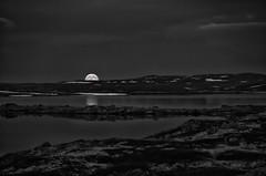 Mondaufgang ber dem Halnefjord (efgepe) Tags: 2016 skandinavien halne halnefjord halnefjorden bw sw norwegen norge noreg mond mondaufgang moon silverefexpro nik lightroom