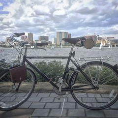 Our leather accessories certainly do pair nicely with the dapper lines of a @linusbike! Thanks to @amaatouq for sharing this shot of his bike in Cambridge, Massachusetts. (Walnut Studiolo) Tags: ifttt instagram walnut studiolo