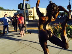 (Penseroso) Tags: crosswalk iphone sunset stretch streetphotography sculpture edmonds