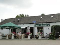 Caf in Barendrecht (Joop van Meer) Tags: erasmuspad 2016 caf barendrecht
