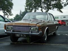 Ford Taunus P7b 20M XL V6 Pézenas (34 Hérault) 14-09-16b (mugicalin) Tags: ford taunus fordtaunus taunus20m 20m fordtaunus20m germancar classiccar v6motor v6power v6 fujifilm fujifilmfinepix fujifilmfinepixs1 s1 finepixs1 fordtaunusp7 fordp7 brown browncar 34 2016 3907