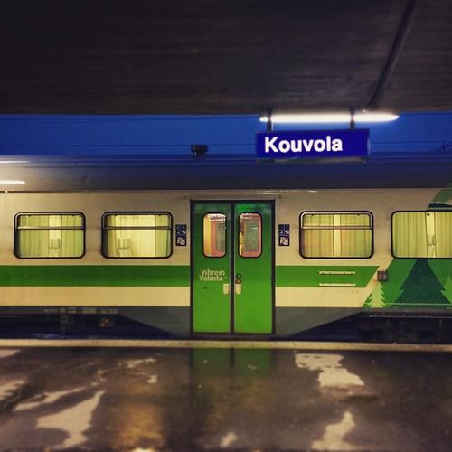 Matkaan. Minnehän tämä tänääm vie? #juna