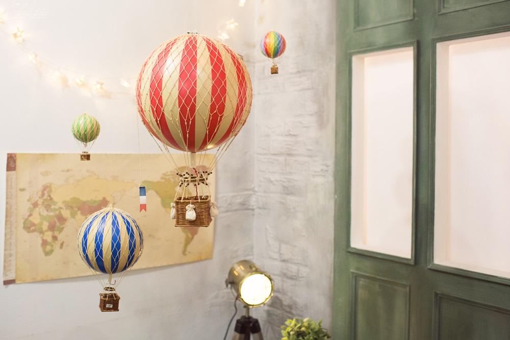 Jumping Rabbit 兔子跳跳Authentic Models熱氣球家飾裝飾