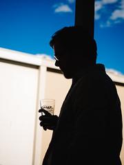 Erik (BurlapZack) Tags: olympusomdem5markii panasonicleicadgsummilux25mmf14 vscofilm pack01 dentontx oakstreetdrafthousecocktailparlor osdhcp portrait silhouette thesearchers beer glass bar backyard bluesky shadow post lean johnwayne shade light contrast summer summertime bokeh