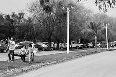 (martinnarrua) Tags: nikon nikond3100 argentina amateur coln entre ros blanco negro black white bn bw byn monocromtico street photography streetphotography man hombre persona person personas people