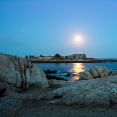 Requiem (abovecloud7) Tags: ocean blue moon reflection water rock night landscape landscapes sand maine atlantic full southern rockscape rockscapes