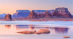 Padre Bay - Lake Powell - USA (~ Floydian ~ ) Tags: morning arizona usa lake sunrise landscape dawn utah powell lakepowell padrebay floydian canoneos1dsmarkiii henkmeijer cookiejarbutte