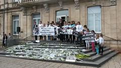Caudry : hommage  Aurlie Chatelain, tue par un islamiste (louis.labbez) Tags: fleur femme terrorism murder bouquet hommage marche mairie manifestation victime aurlie villejuif chatelain terroriste deuil meurtre caudry islamiste labbez