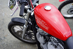Harley in red (Eric Flexyourhead (shoulder injury, slow)) Tags: red canada detail bike vancouver zeiss downtown bc tank bokeh britishcolumbia vibrant vivid harley motorbike american harleydavidson motorcycle hog fueltank fragment shallowdepthoffield 2016 theshop waterfrontroad 55mmf18 sonyalphaa7 zeisssonnartfe55mmf18za spitnshine 2016spitnshinevintageandcustommotorcycleshowandshine