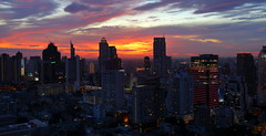 Bangkok at sunset (joseluis.cueto) Tags: city sunset sky urban sun building sol skyline architecture clouds skyscraper canon landscape thailand atardecer eos arquitectura asia tramonto cityscape bangkok edificio tailandia ciudad paisaje ciudades cielo citylights nubes sole grattacielo citt 6d paisajeurbano rascacielo sudesteasitico atardecersunset 2470f4 canon6d bangkoklights