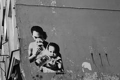 Seka_7778 rue du Clotre Saint Merri Paris 04 (meuh1246) Tags: streetart paris spray enfant paris04 seka masquegaz rueduclotresaintmerri