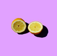 melocotn (Pablo Martnez Fabin) Tags: summer orange colors azul cherry lemon colores fruta amarillo verano naranja froot limn morado cereza