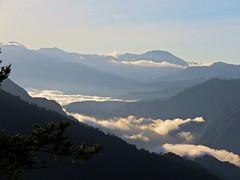 sunrise (oneroadlucky) Tags: sky cloud mist mountain nature fog sunrise landscape