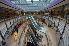Stuttgart, Knigsbau, Shopping Centre (BZK2011) Tags: stuttgart einkaufszentrum shoppingcentre nikon coolpixa knigsbau rolltreppen
