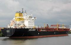 Admiral-7 (Auto350) Tags: bremen hfen industriehafen tanker