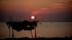 Buongiorno dall'Arenella (Angelo Trapani) Tags: palermo arenella spiaggia mare capanno sole alba colori cielo nuvole sea sun sunrise colors