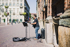 music in the streets • 1 (t.basel) Tags: torino turin architecture streets street summer sun italia italy italien travel travelling trip stilllife photography streetphotography views view kodak ektar vsco sony a7ii samyang 24mm 14 zeiss sonnar 55mm 18 bokeh people vacation piazza castello sancarlo santamariadelmonte fiat 500 lights building windows jugendstil streetartist music singing