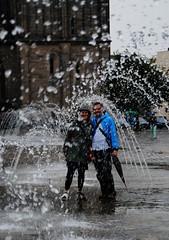 Flickrtreffen (   flickrsprotte  ) Tags: flickrtreffen flickrsprotte wasser nass regen magdeburg dom domplatz sachsenanhalt wasserspiele fontne