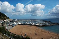 Playa y puerto (Guijo Crdoba fotografa) Tags: getaria guipuzcoa paisvasco espaa spain guijocordoba nikond70s playa seaside mar cantabrico nubes flickrtravelaward nikonflickraward