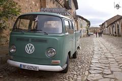 Castrillo de los Polvazares (Nerea Meln Nava) Tags: verde green vw volkswagen retro van furgoneta camioneta piedra cocido castrillo polvazares maragato