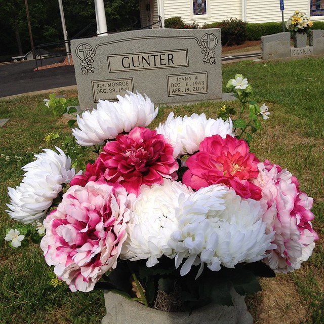 Cleaning Moms Headstone and Fixing Up Pretty Flowers for Mothers Day