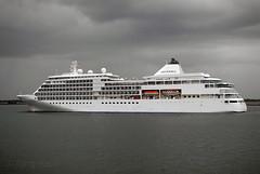 'Silver Whisper' (Longreach - Jonathan McDonnell) Tags: clouds cruiseship dublinport cruiseliner silverwhisper dsc0066 justclouds silverseacruises