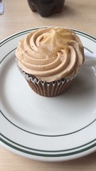 Salted caramel cupcake (Elysia in Wonderland) Tags: hospital yummy general caramel cupcake icing fondant salted furness