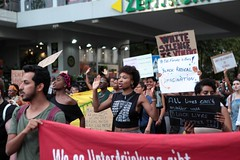 Black Lives Matter- Demo in Berlin, Juli 2016 (bsdphoto) Tags: demonstration protest demo berlin politik blacklivesmatter rassismus solidaritt schwarze blackcommunity peopleofcolor farbige admiralstrase kotti kreuzberg hndehoch dontshoot deutschland deu