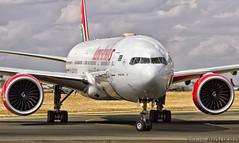 B777 KENYA AIRWAYS (FELIX PIQUERO) Tags: airplane 777 kenia reflects b777 boieng nbo felixpiquero