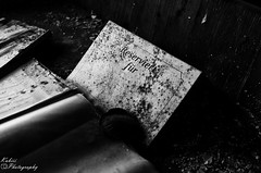 DSC_3518 (Kubiii Photography) Tags: gelb photography nikond7000 nikon nikonphotography leipzig kubiiiphotography lostplaces lost places blackwhite urbex urbexworld abandoned abandonedplaces picture scary grey
