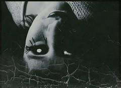 It is a dark and sinister being. (One-Basic-Of-Art) Tags: dark darker dunkel dster finster finsternis dunkelheit sinister wesen ungeheuer monster fotografie photography horror angst fear pain schmerzen ngstlich ngstlichsein alt old vintage canon 1basicofart annewoyand halloween monstrum