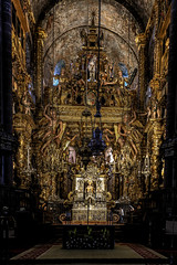 High Altar of the Cathedral of Santiago de Compostela (Frank//) Tags: baroque baldacchino solomoniccolumns stjames santiagomatamoros santiagoperegrino battleofclavijo pilgrim santiagoapstol apostlejames botafumeiro cathedralofsantiagodecompostela santiagodecompostela europe frnk canon theway catholic spain espaa god faith pelegrino topf25 topf50 canonef1740mmf4lusm