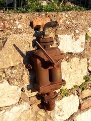 2016-08-27_07-14-34 (stegdino) Tags: idrante hydrant rust metallo metal
