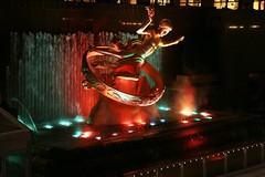 Rockfeller plaza di notte (falco di luna) Tags: newyorkcity usa newyork america luci colori notte rockfellerplaza