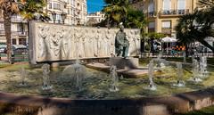 Fountain - Valencia (Sony RX100M3) (markdbaynham) Tags: street city urban valencia spain sony cybershot espana spanish espanol metropolis compact rx ciutat valencian rx1003 rx100m3 rx100iii rx100mkiii rx100mk3 rx100mark3