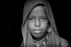 Ethiopie; la vallée de l'Omo: les Erbore. (Claude Gourlay) Tags: voyage africa travel portrait people blackandwhite bw monochrome face noiretblanc retrato african tribal nb tribes afrika omovalley ethiopia ethnic minority ritratti ritratto omo eastafrica etiopia ethiopie arbore tribue etiopija ethnie omoriver erbore ätiopien afriquedelest animiste minorité claudegourlay valléedelomoafrique