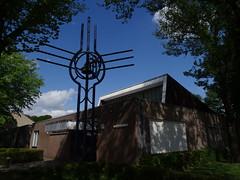 Sint-Montfort (1971) Tilburg (Stokhasselt) (Kvnivek) Tags: tower church netherlands modern sony cybershot tilburg kerk noordbrabant