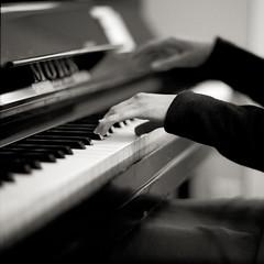 Echoes (Kenneth Ipcress) Tags: krakw kennyip joanna exakta piano