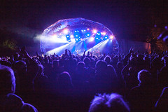 16_ChrisStanbury_Wed (66) (Larmer Tree) Tags: wednesday hands audience crowd mainstage 2016 handsintheair chrisstanbury