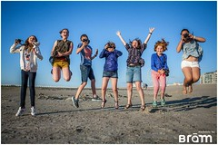 My student this week ;) (Moments By Bram) Tags: groups nieuwpoort beach belgium students jump