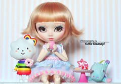 Time for sweets and for a new hairstyle! (Yuffie Kisaragi) Tags: rechipped rewigged obitsu vainilla poisongirl custom blanche pullip doll
