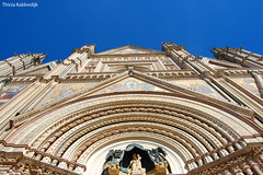 Orvieto Cathedral /  Duomo di Orvieto (Thirza78) Tags: orvieto cathedral kathedraal duomo travel religion building architecture religiousbuilding religious blue bluesky somethingblue colors