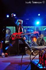 los coronas - es gremi (mallorca) (elmondelrock) Tags: beach monster rock sex del island los punk surf guitar live el pop fender cover indie po mon es mallorca coronas balears teets gremi rockinstrumental elmondelrock