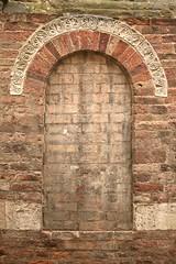 """""""niente in vista"""" (SergioBarbieri) Tags: bricks arc parma arco romanico cattedrale mattoni closedwindow finestrachiusa derecori"""